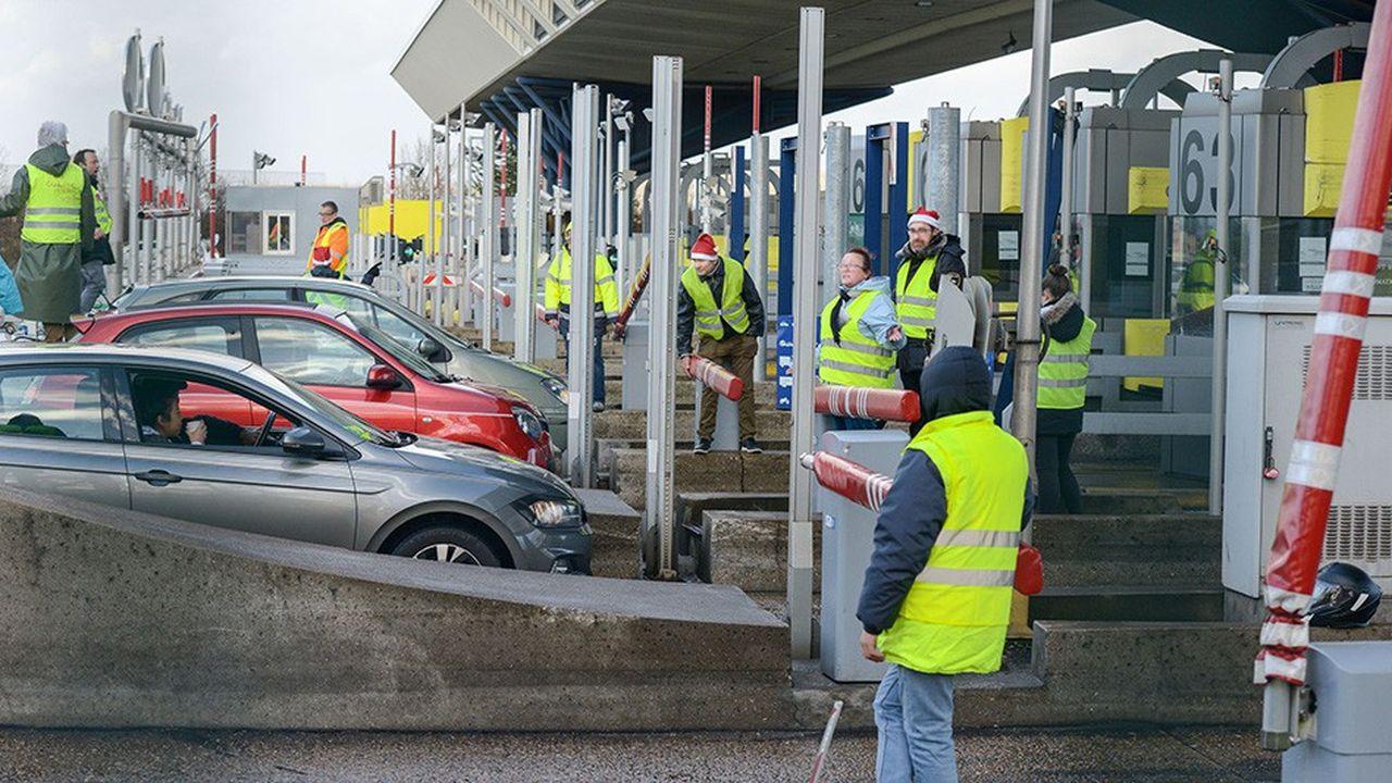 Devenues des lieux de mobilisations, de nombreuses gares de péages ont été bloqués ou vandaliséspar les «gilets jaunes».