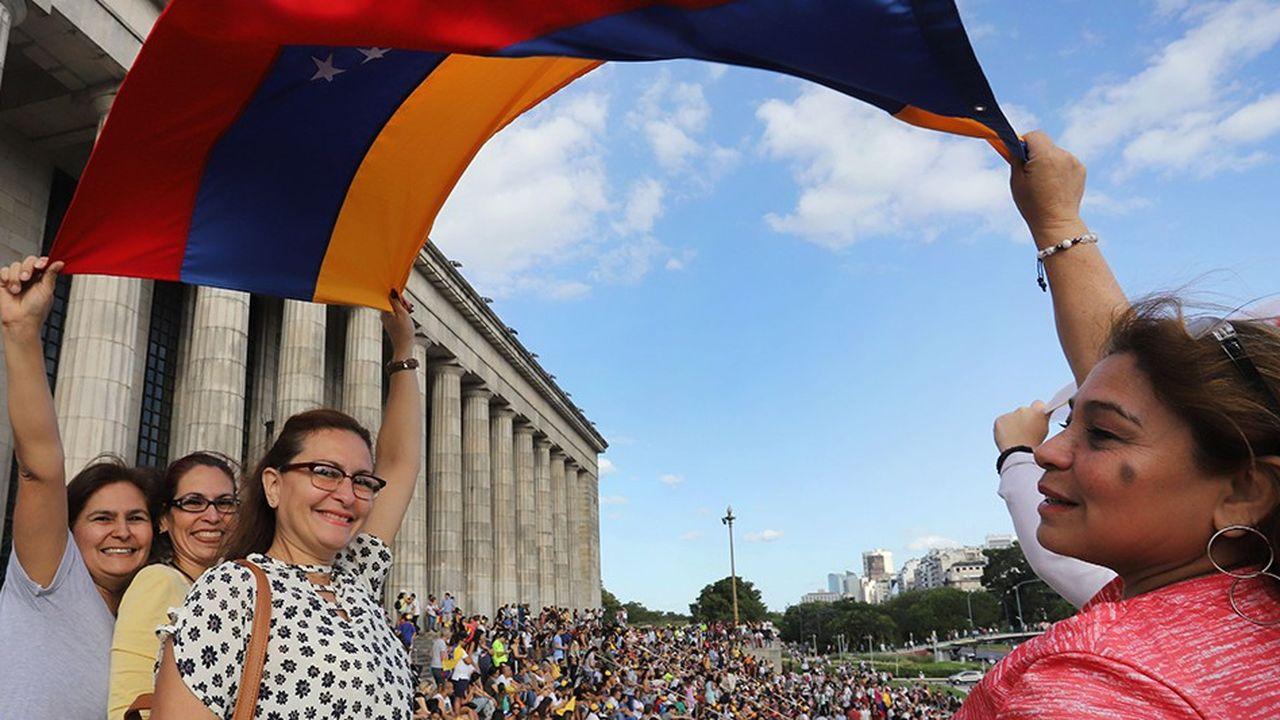 A Buenos Aires samedi des Venezueliens ont manifesté en faveur de Juan Guaido.