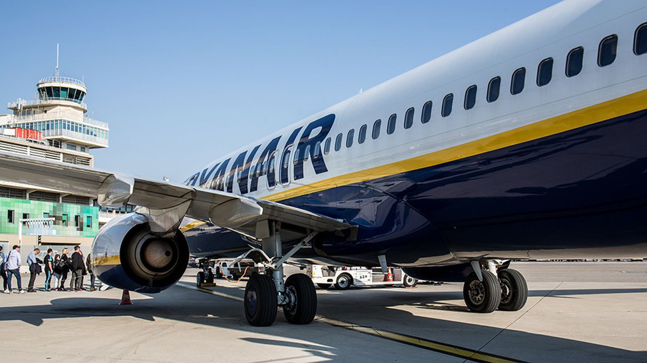 La guerre des prix qui sévit dans le ciel européen cet hiver met à rude épreuve les low cost, y compris Ryanair.