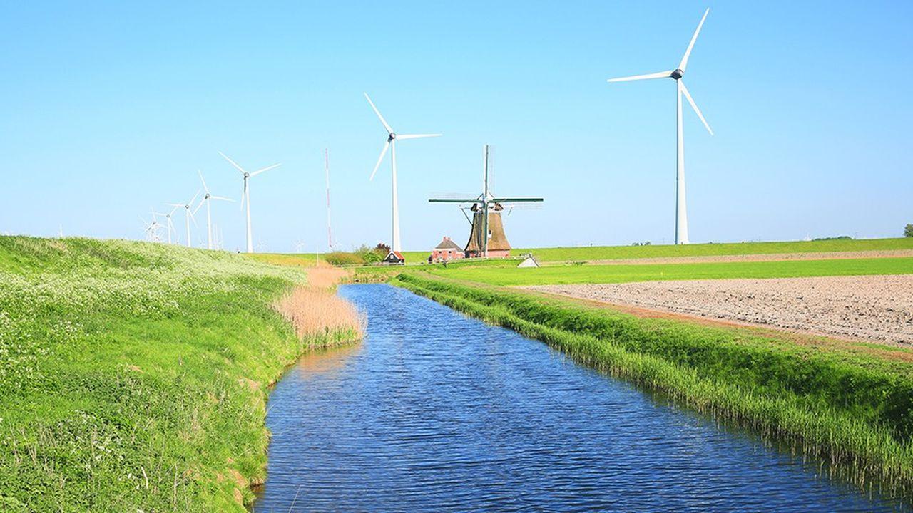 Malgré des dizaines de milliards de subventions détournées du pouvoir d'achat des Français (sous forme d'impôts), l'éolien est l'une des énergies les moins rentables du mix énergétique français.