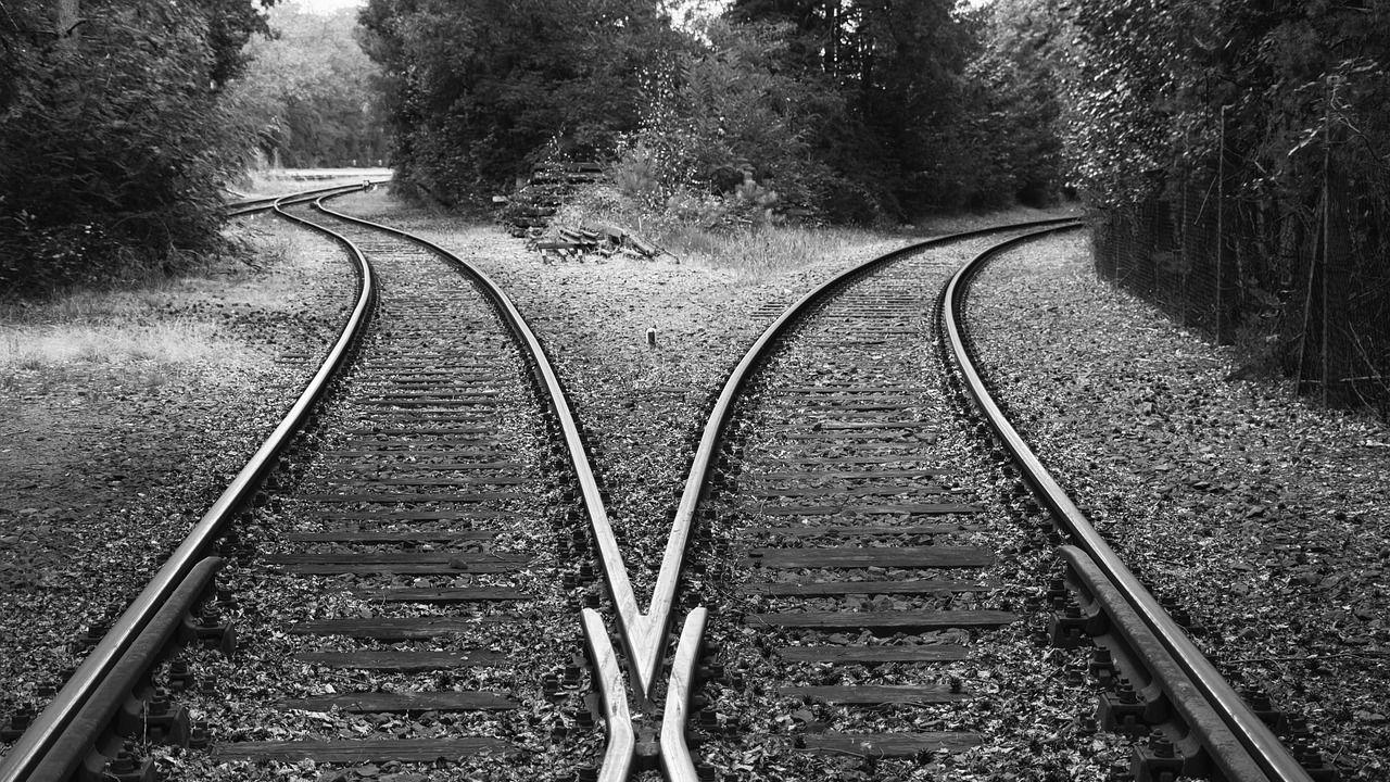 rails-3569672_1280.jpg