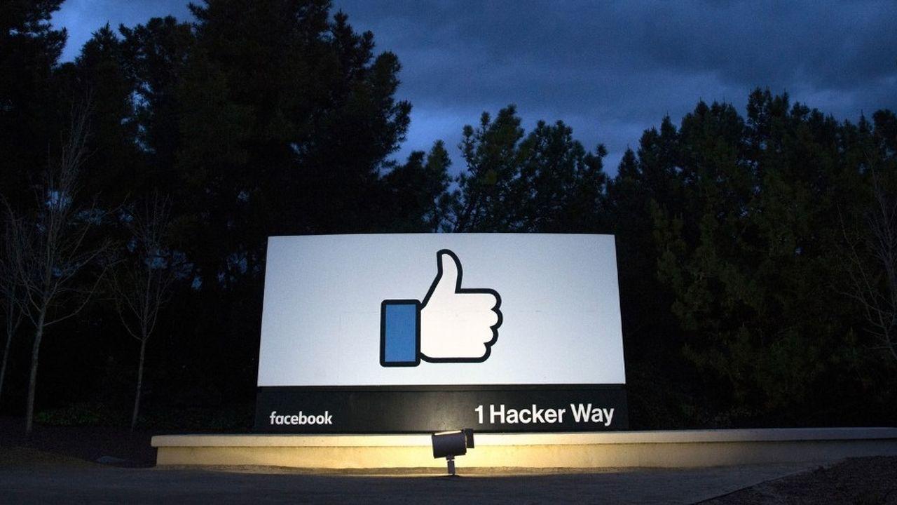 Caryn Marooney et Debbie Frost, qui travaillaient chez Facebook depuis une dizaine d'années, ont subi les scandales successifs impliquant la firme californienne