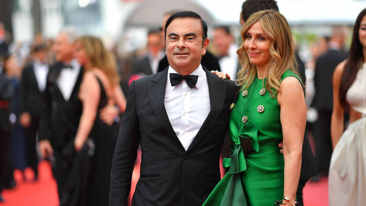 C'est la première fois depuis le début de l'«affaire Ghosn» que l'ancien patron de l'Alliance (ici avec sa femme Carole), est mis en cause pour une infraction chez Renault.