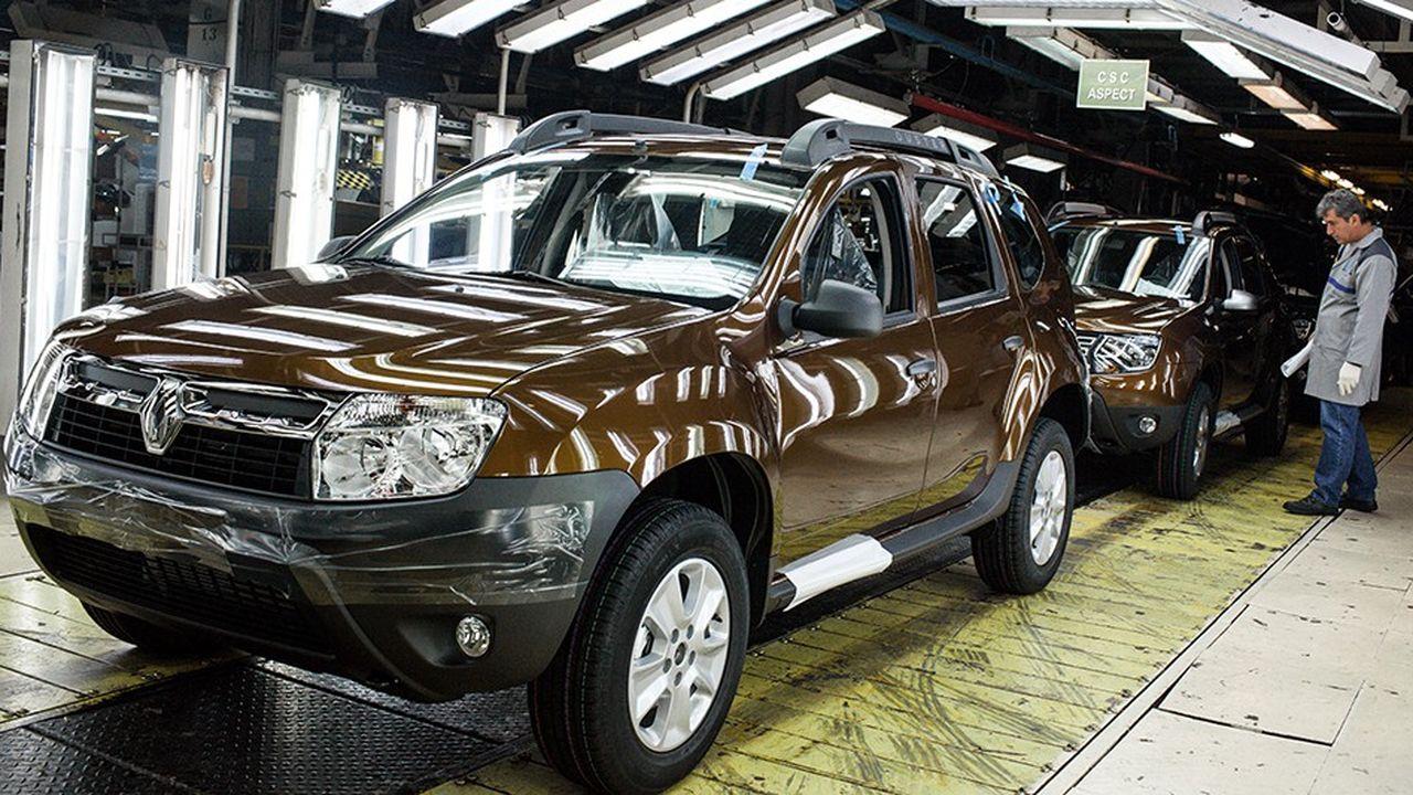 Une usine Dacia, filiale de Renault en Roumanie. Le secteur de l'automobile est un bon exemple du modèle économique français: Renault a investi dans des pays étrangers pour fabriquer des véhicules pour partie vendus en France ensuite.