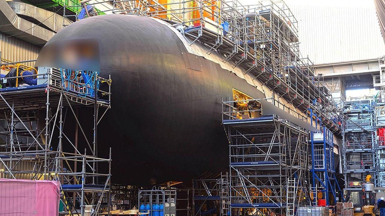 Le Suffren mesure 99 mètres de long et pèse 5.300 tonnes.