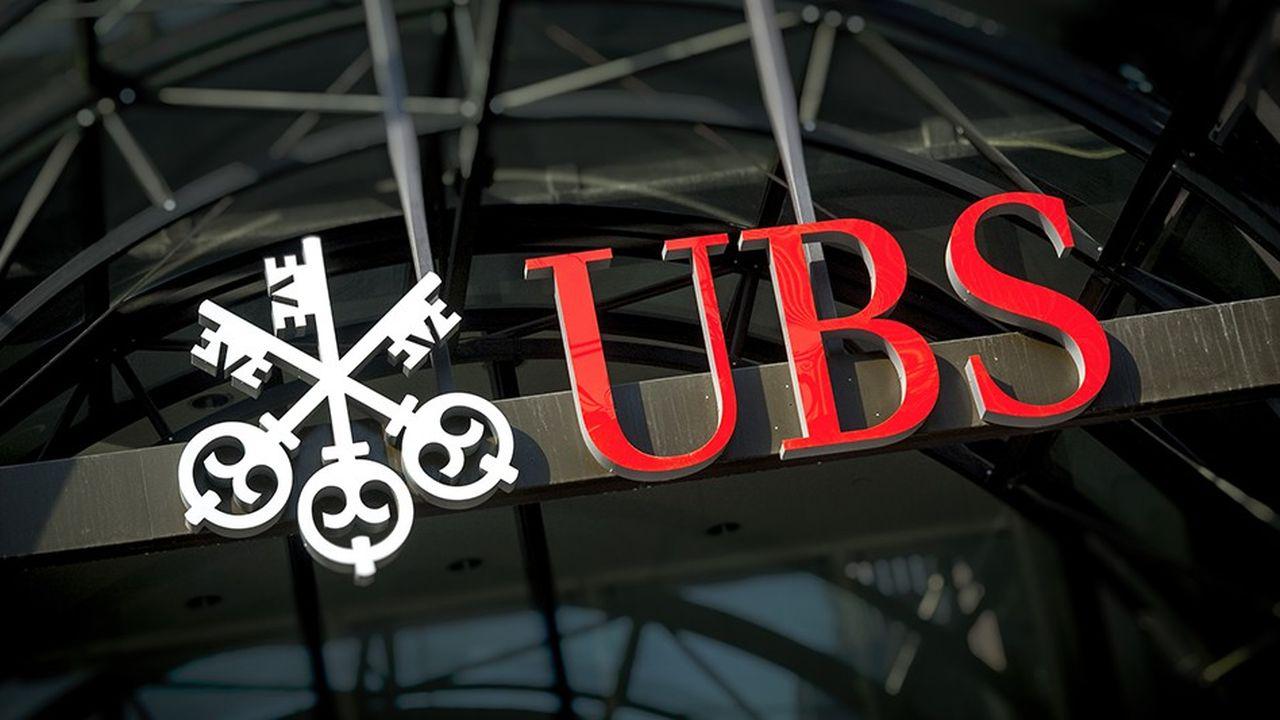 UBS supprimeles rémunérations variables de 10.000 employés de son «corporate center» pour les remplacer par une prime fixe.