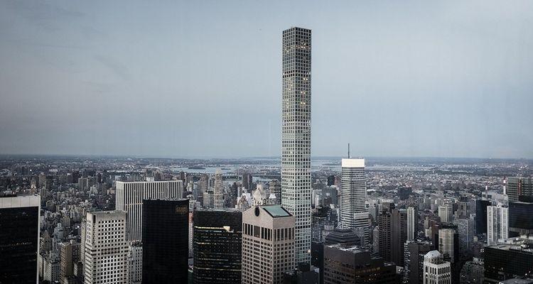 Au pied de Central Park, la très étroite tour du 432, Park Avenue, domine le milieu de Manhattan depuis 2015. Mais d'autres gratte-ciel filiformes devraient suivre.