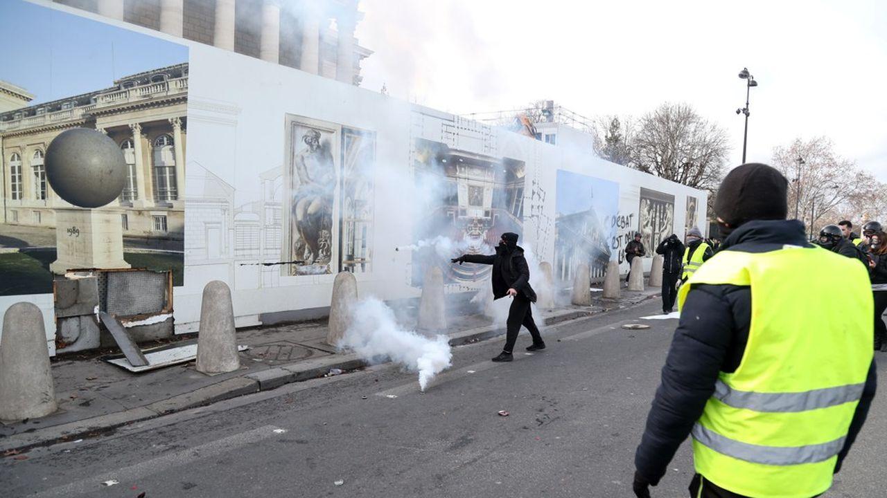 Une enquête judiciaire, confiée à l'Inspection de la gendarmerie nationale, a été ouverte.