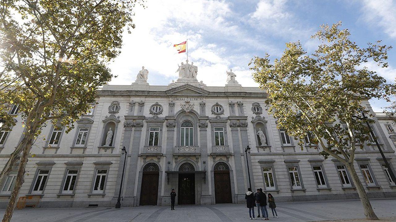 Le procès de douze dirigeants catalans accusés d'avoir participé à la tentative de sécession de la Catalogne en 2017 s'ouvre mardi à la cour suprême de Madrid.