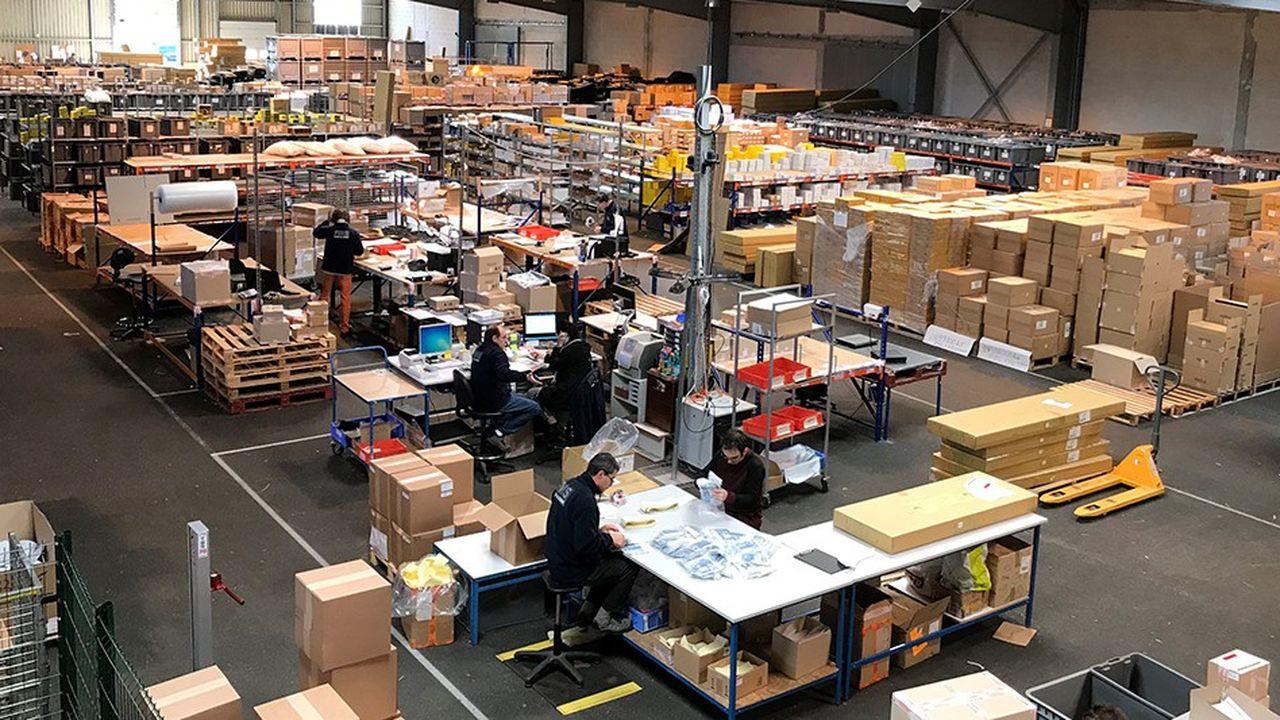 Facylities Multi Services est spécialisé dans la logistique, les vêtements de travail et l'ingénierie informatique.