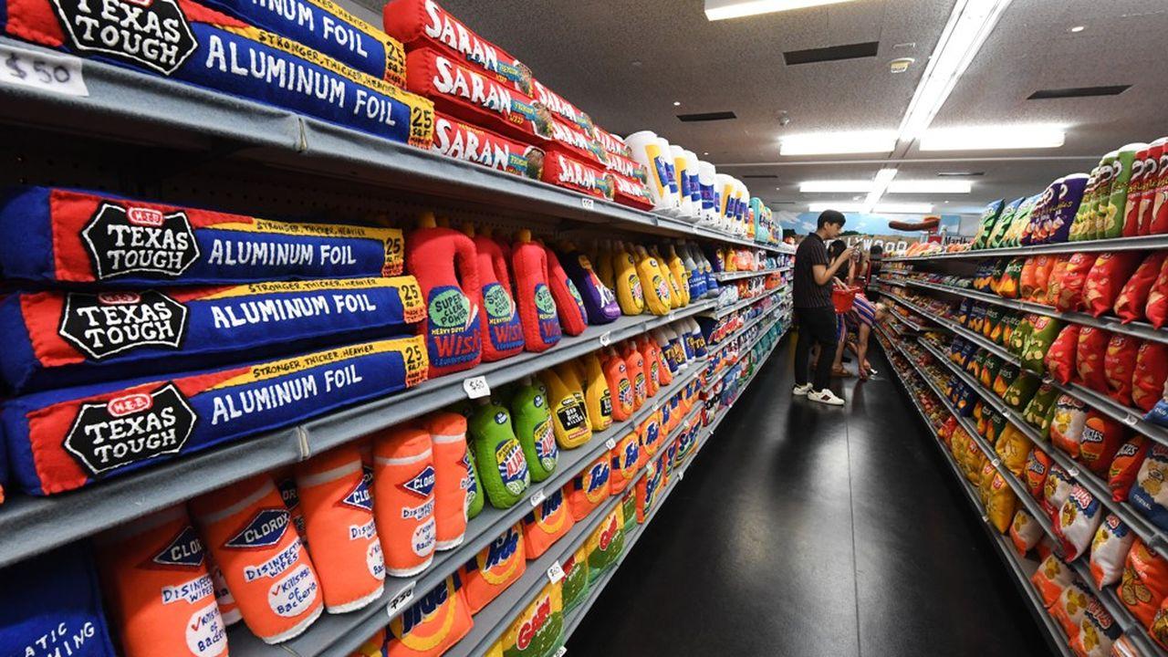 Certaines entreprises ont déjà commencé à stocker des ingrédients pour anticiper de possibles pénuries, comme Unilever qui a entreposé des glaces Magnum au Royaume-Uni.