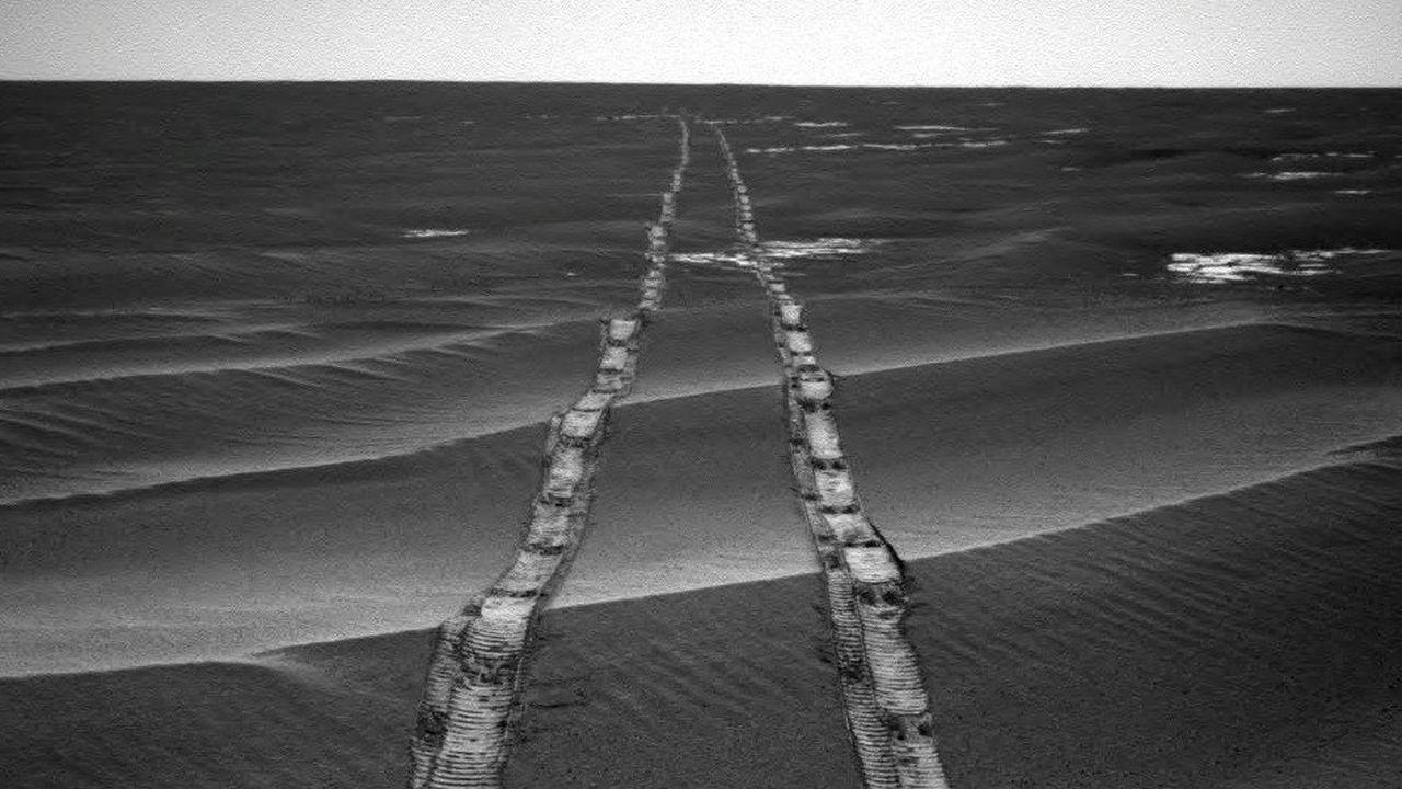 En près de 15 ans sur Mars, Opportunity a parcouru plus de 45kilomètres et envoyé plus de 200.000 photographies.
