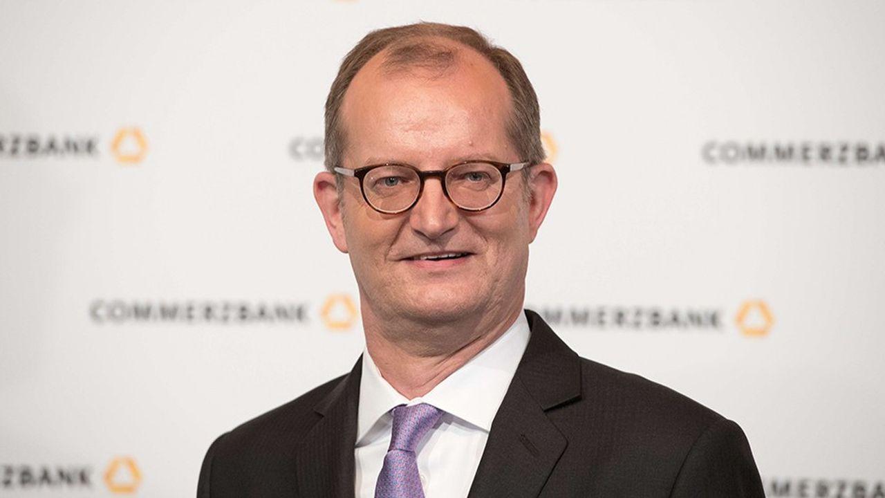 Martin Zielke, le dirigeant de Commerzbank, n'a pas souhaité commenté les« spéculations » entourant une fusion avec son rival Deutsche Bank.