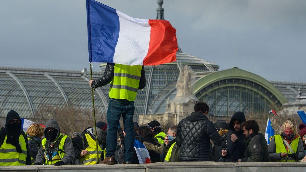 Des «gilets jaunes» étaient réunis samedi 9février à Paris pour l'«acteXIII».