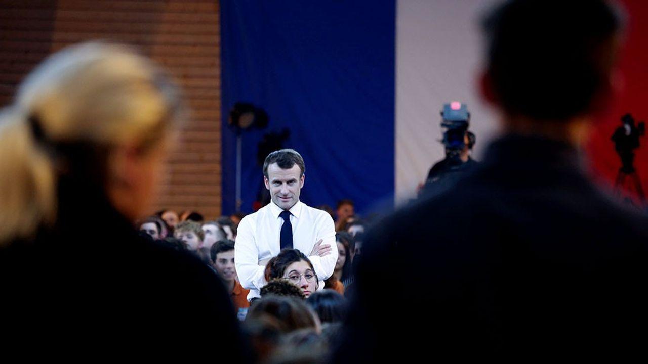 Emmanuel Macron lors d'une réunion avec des jeunes dans le cadre du Grand débat national.