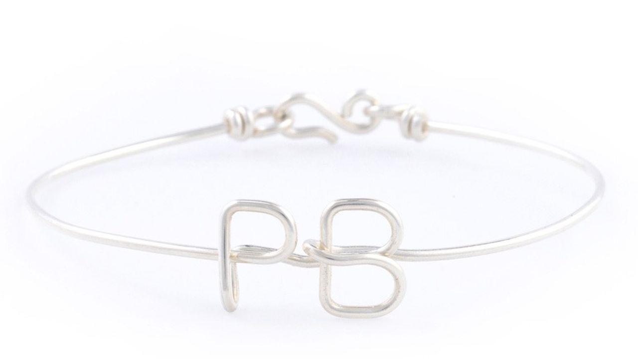 La ligne Homme, bracelet initiales, de l'Atelier Paulin.