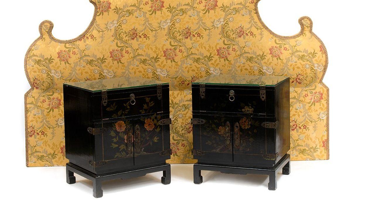 Tête de lit et chevets en laque provenant de la suite Coco Chanel, Estimation : 2 000 - 3 000 €