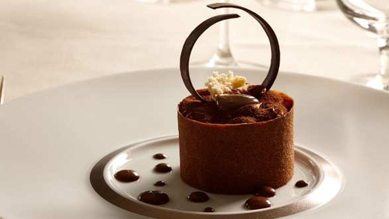 2151955_lemporio-armani-ristorante-etoile-web-0301270986928.jpg