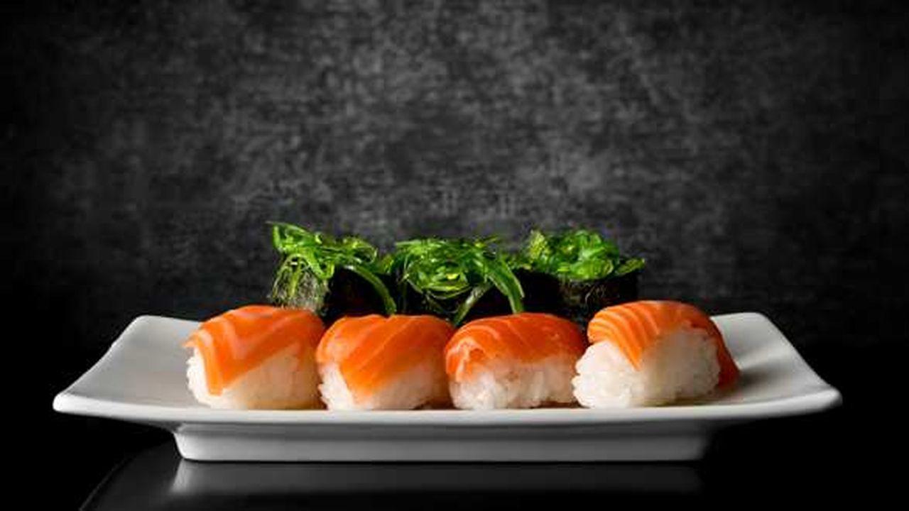 Sushi au saumon.