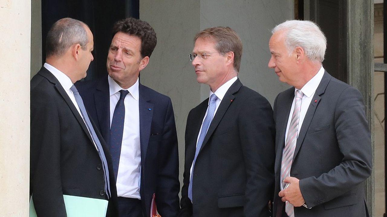 Le patronat ne veut pas être tenu responsable de l'échec de la négociation sur l'assurance-chômage (ci-dessus Geoffroy Roux de Bézieux, François Asselin et Alain Griset, avec de dos Laurent Berger).