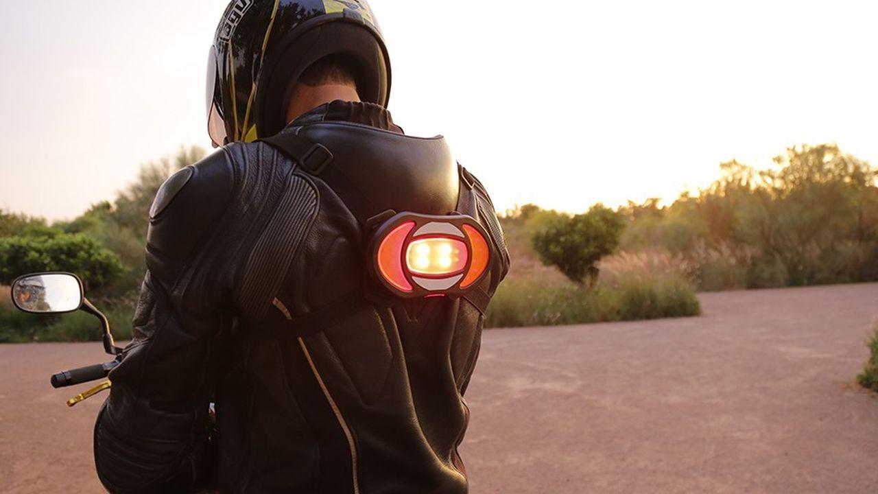 Le dispositif Clic-Light améliore la perception du freinage, car il est situé dans le champ de vision des automobilistes.