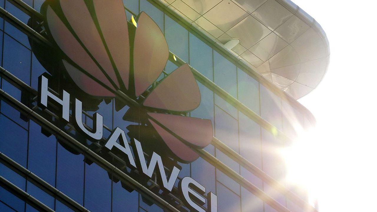 Né en 1987 à Shenzhen dans le sud de la Chine, Huawei est devenu en trente ans le premier fournisseur mondial d'équipements télécoms aux opérateurs et le deuxième fabricant de smartphones, derrière Samsung.
