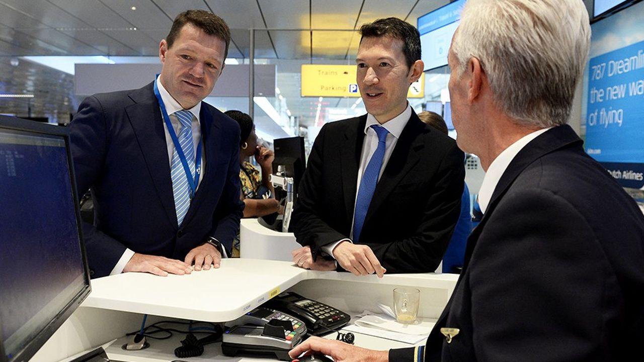 Le patron d'Air France-KLM, Benjamin Smith (à droite) a réussi à imposer sa nouvelle organisation au directeur général de KLM, Pieter Elbers.