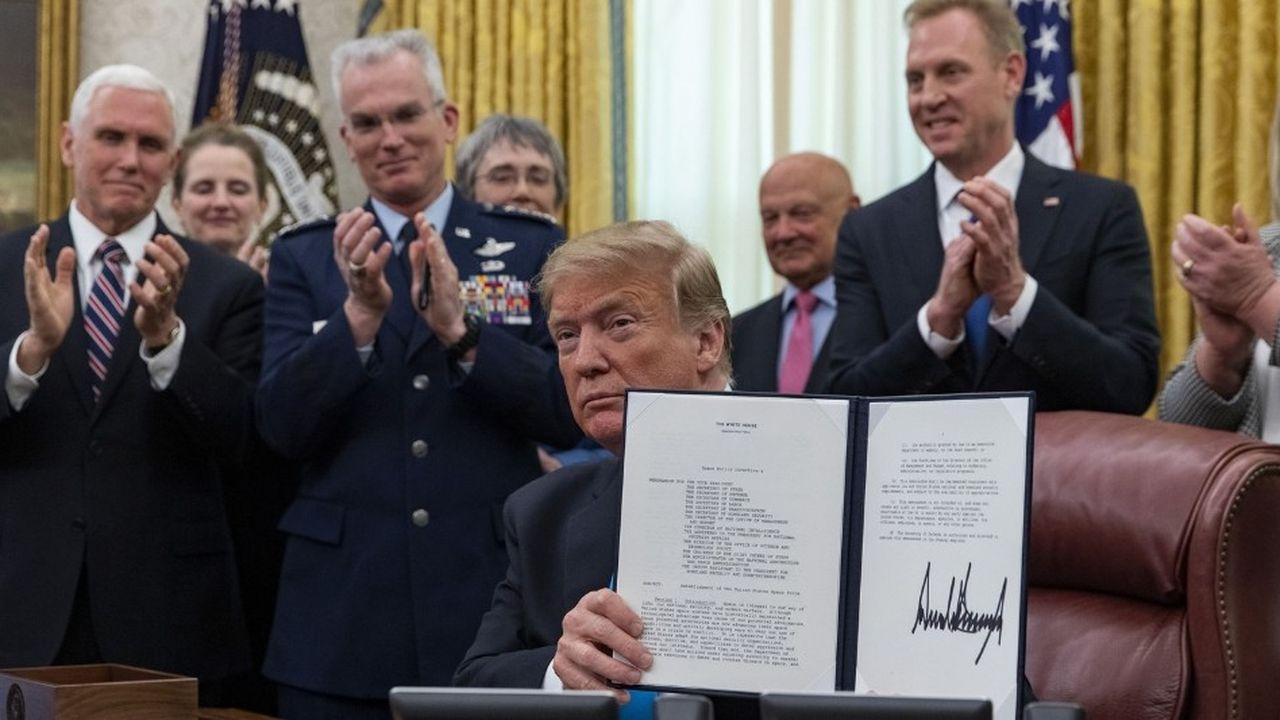 «Mon gouvernement a fait de la création d'une force spatiale une affaire de sécurité nationale», a déclaré mardi Donald Trump en signant la directive.
