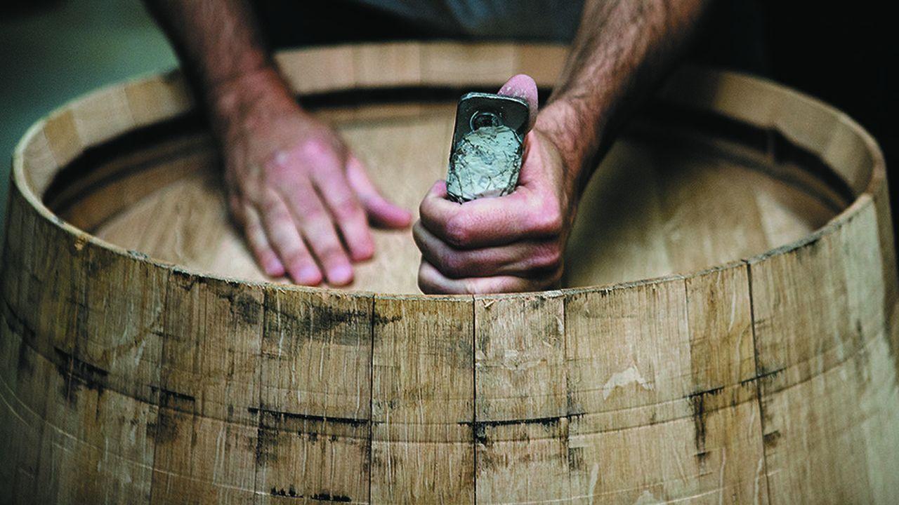 Le tonnelier, dont le siège est à Saint-Romain (Côte-d'Or), conserve 65 % de son activité avec les tonneaux à vin