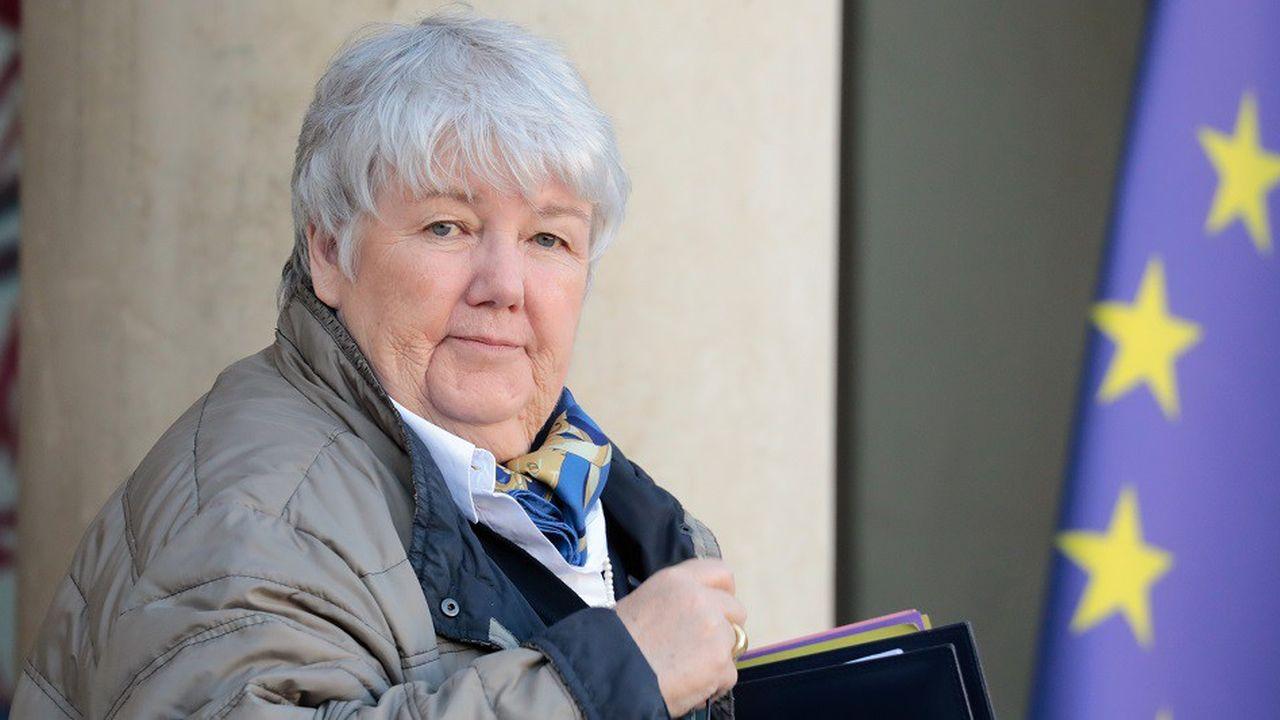 Jacqueline Gourault estime que la mise en place de cet impôt sur le revenu pour tous serait une réponse appropriée à la crise des «gilets jaunes».