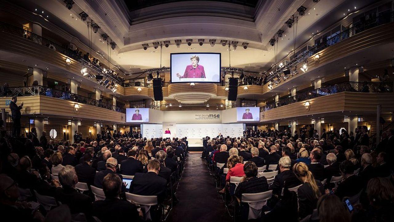 Lors de la conférence sur la sécurité de Munich, la semaine dernière, Angela Merkel a tenu tête au président Trump en ironisant sur ses accusations contre l'Allemagne et l'Europe.