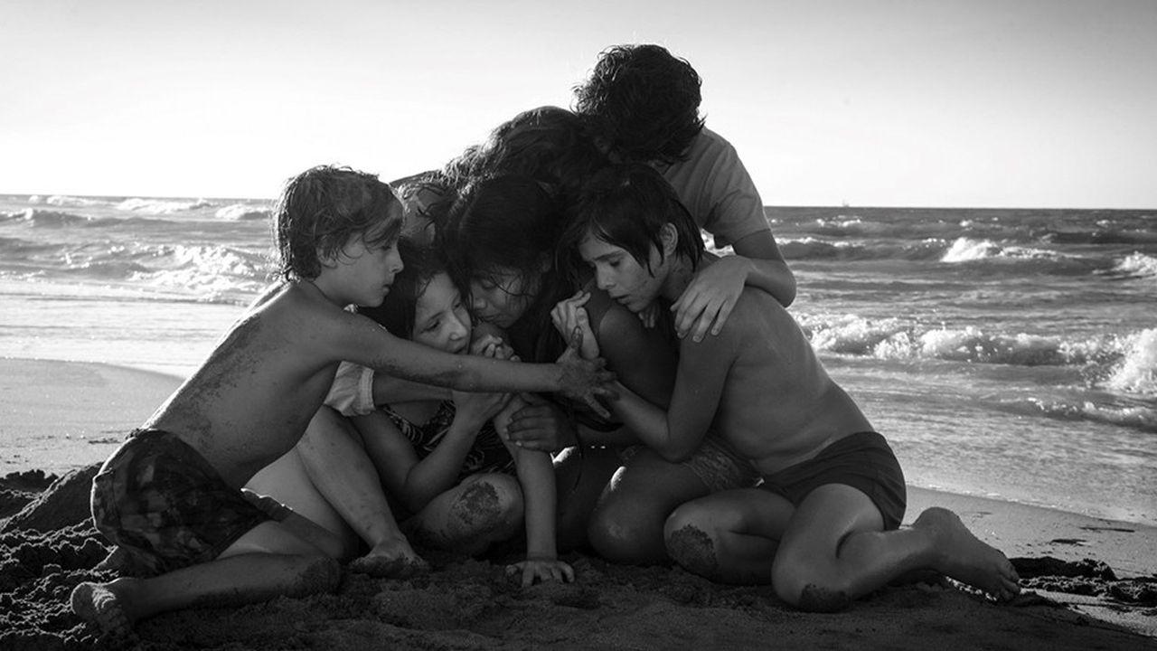 (De gauche à droite) Marco Graf (Pepe), Daniela Demesa (Sofi), Yalitza Aparicio (Cleo), Marina De Tavira (Sofia), Diego Cortina Autrey (Toño), Carlos Peralta Jacobson (Paco) dans une scène de «Roma», d'Alfonso Cuarón.
