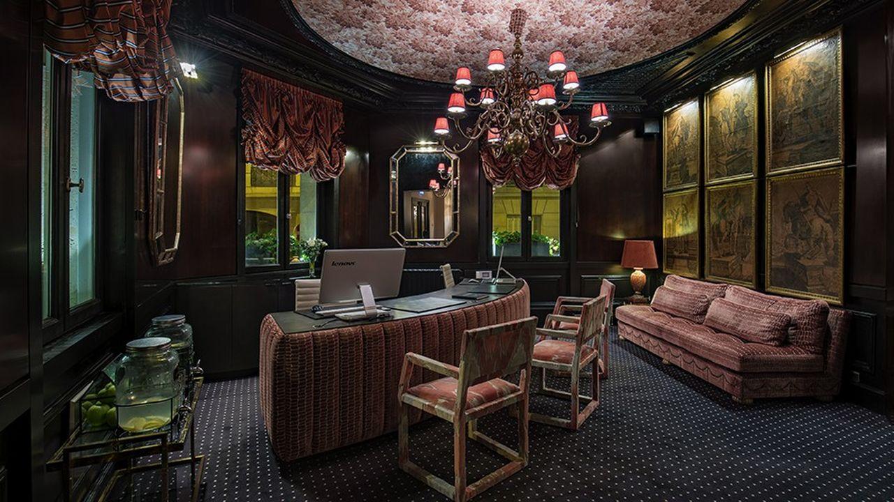 Chaque hôtel Room Mate est confié à un designer. A Paris, c'est l'Espagnol Lorenzo Castillo.