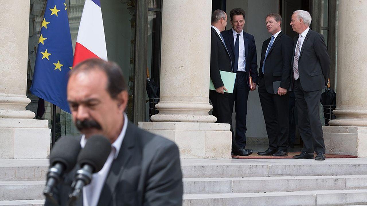 Philippe Martinez (CGT), Laurent Berger (CFDT), Geoffroy Roux de Bezieux (Medef), Francois Asselin (CPME) et Alain Grizet (U2P), le 17juillet 2018, à la sortie de leur entretien avec Emmanuel Macron à l'Elysée.