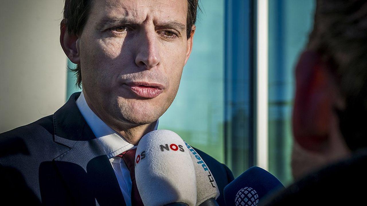 Le ministre des Finances Wopke Hoekstra a justifié l'irruption de l'Etat néerlandais dans le capital d'Air France - KLM dans une lettre aux deux chambres du Parlement.