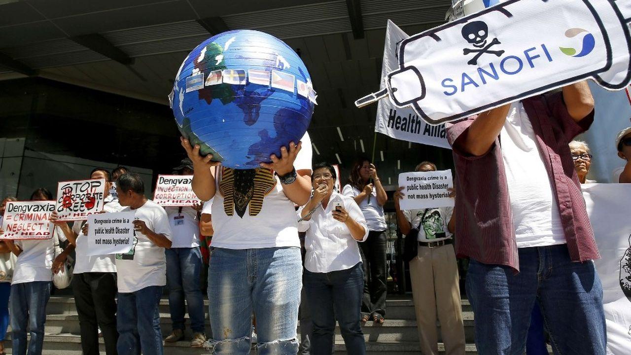 Le ministère de la Justice des Philippines accuse Sanofi, dans un communiqué de presse, «de ne pas avoir observé activement et surveillé de près les sujets vaccinés».