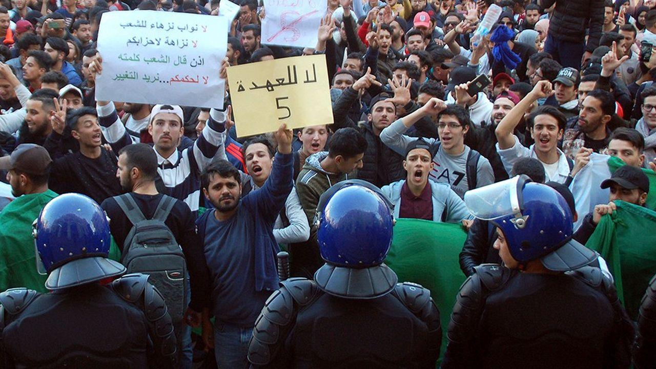 2248920_printemps-algerien-un-combat-pour-la-dignite-web-tete-060817487709.jpg