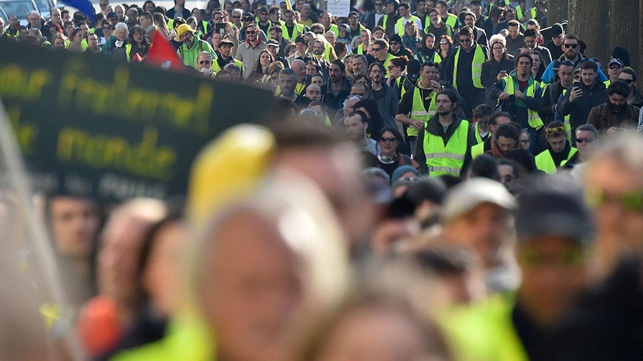 Environ 46.000 personnes avaient défilé la semaine dernière pour le quinzième samedi de mobilisation, selon le ministère de l'Intérieur