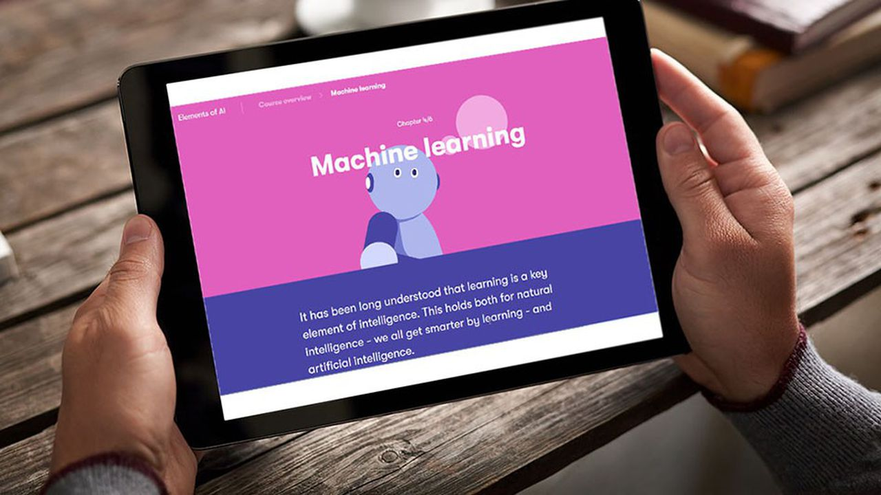 D'une durée de 30heures, le cursus «Elements of AI» peut être suivi sur ordinateur, sur tablette ou sur smartphone, et donne droit à un certificat d'achèvement validé par l'université.