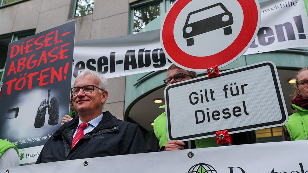 La multiplication l'automne dernier des interdictions de circuler en ville pour les véhicules diesel, obtenues par la Deutsche Umwelt Hilfe, a renforcé l'aigreur de la CDU et de la CSU qui craignent le mécontentement de leur base électorale.