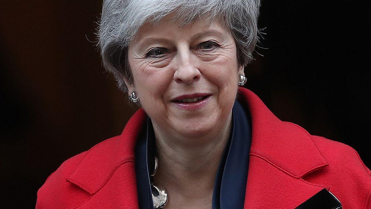 La Première ministre britannique, Theresa May, le 26février dernier à la sortie du 10 Downing Street. (Photo by Daniel LEAL-OLIVAS/AFP)