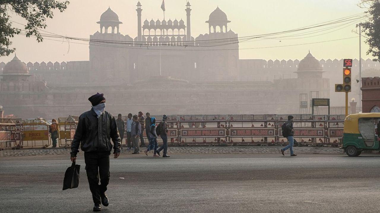 La capitale indienne, où vivent 20millions d'habitants, devance Dhaka, la capitale du Bangladesh, et Kaboul, la capitale afghane