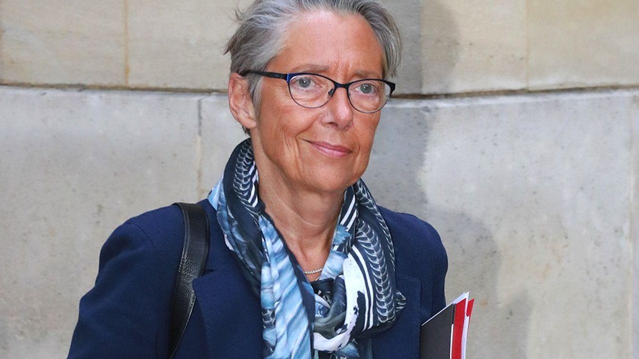 Le texte piloté par la ministre des Transports Elisabeth Bornevise notamment à accélérer le développement des nouvelles formes de mobilité (covoiturage, autopartage,etc.).