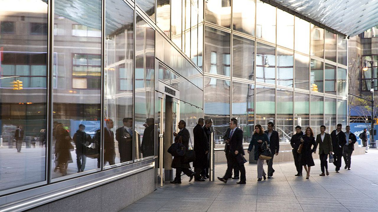 Goldman Sachs est la dernière des banques de Wall Street à assouplir son « dress code »