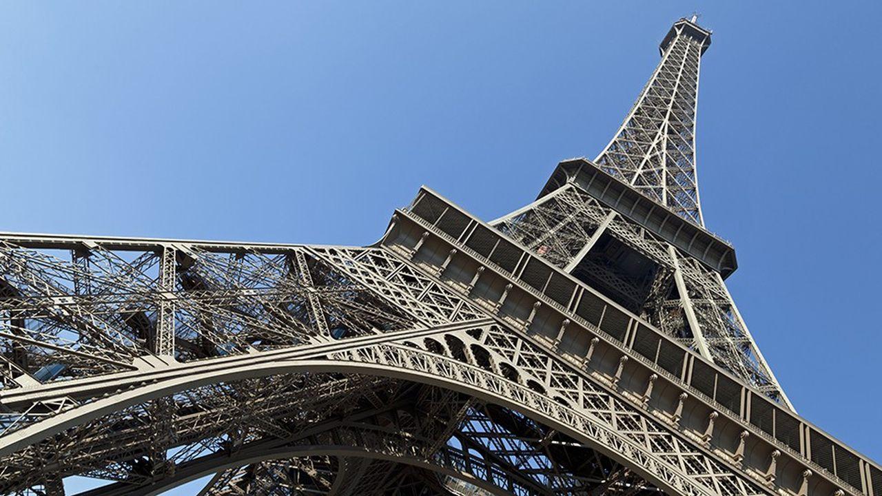 Le site de la tour Eiffel permet à une cinquantaine de radios de toucher en FM plus de 10millions de Français.