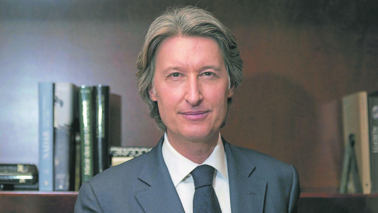 Jean-Charles Decaux, président du directoire de JCDecaux et codirecteur de JCDecaux, veut intégrer le Top10 des géants de la communication.