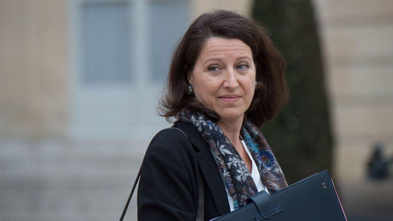 Agnès Buzynévoque un déni de certains professionnels de santé face à l'endométriose.
