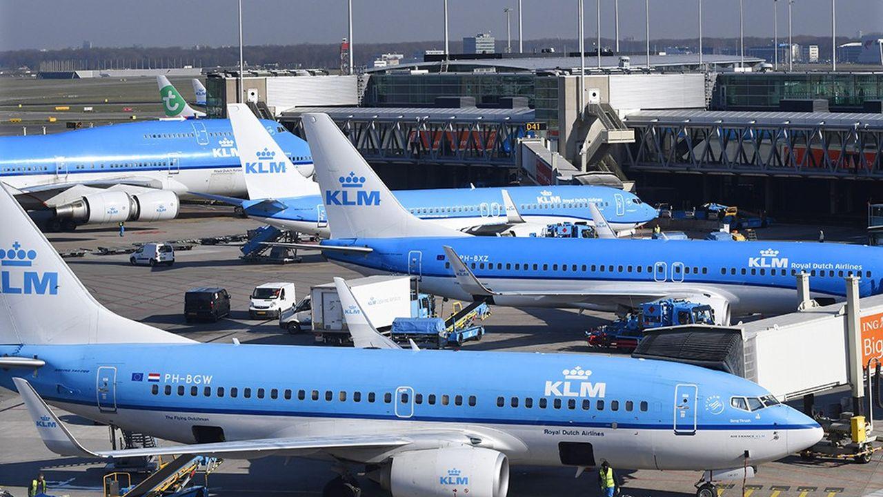 Les sauts de puces aériens entre Amsterdam et Bruxelles sont décriés au nom de l'environnement, alors que le train se montre aussi efficace que l'avion.