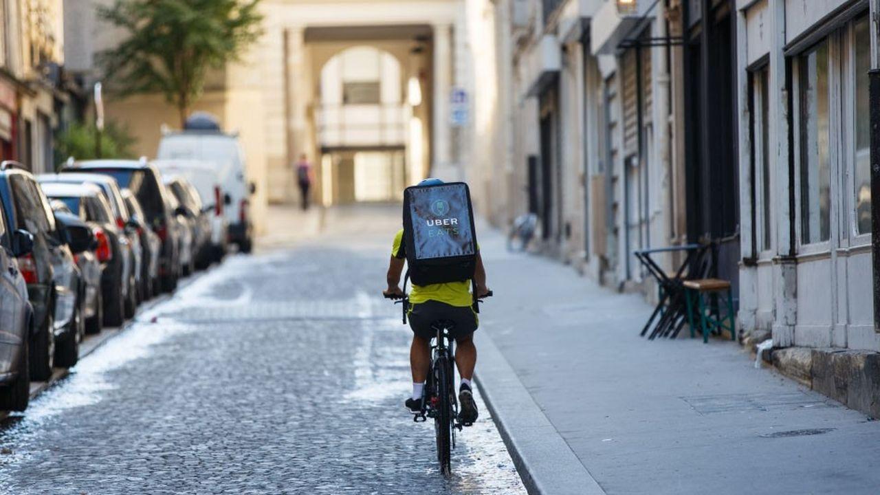 Trois ans après son lancement sur le marché français, tout d'abord à Paris, Uber Eats y alimente sa croissance en «s'attaquant» à la vente à emporter.