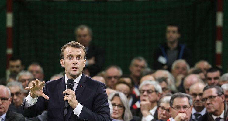 Emmanuel Macron, le 15janvier lors de son premier grand débat avec des élus de Normandie, à Grand Bourgtheroulde.